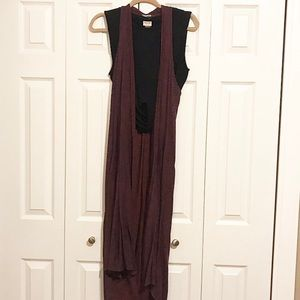 Urban Outfitter Maroon and Navy Shaw!